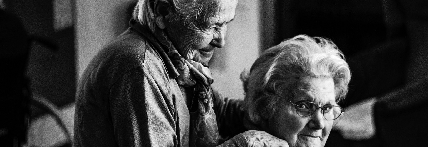 Two_older_Women-Photo_by_Eberhard_Grossgasteiger_on_Unsplash-cropped